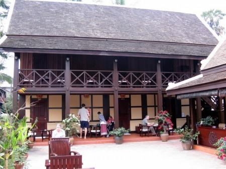 hier wohnen wir die nächsten Tage (Lao Wooden House)