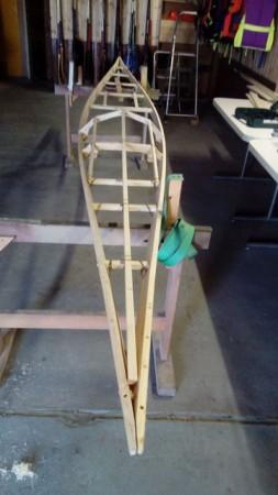 die Bootsform ist in Grundzügen gestaltet